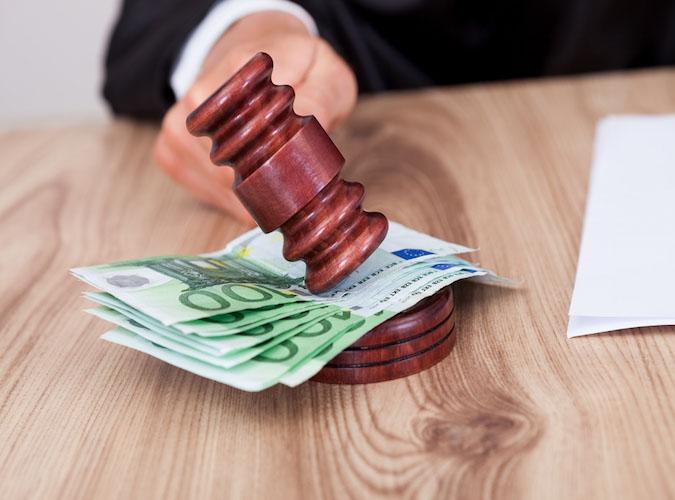 Für bestimmte Kredite dürfen in Zukunft Gebühren verlangt werden. Doch wie wird der BGH entscheiden?