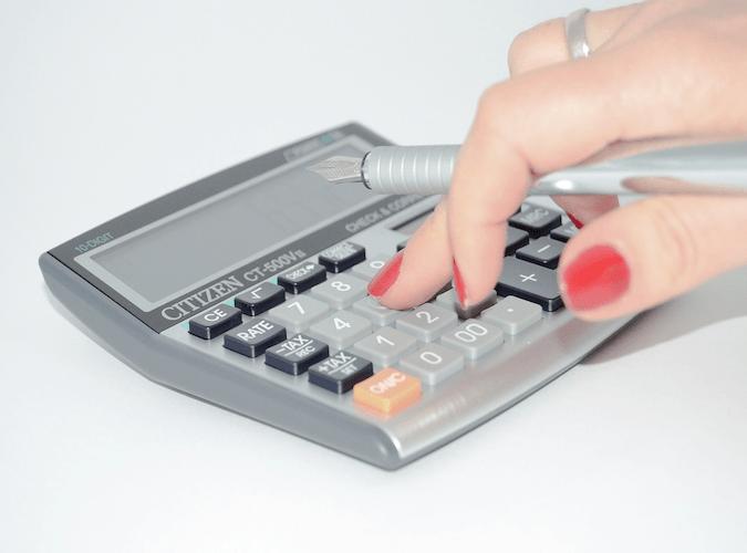 Genau nachrechnen lohnt sich. So einfach geht Steuern sparen.