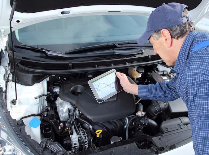 Alle Fahrdaten offenlegen für einen Nachlass bei der Versicherung? Datenschützer sind skeptisch.